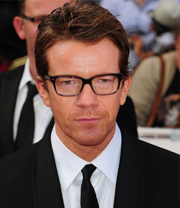 Max Beesley Wife, Height, Net worth and Wiki
