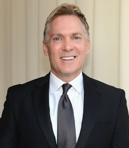 Sam Champion (Gay)